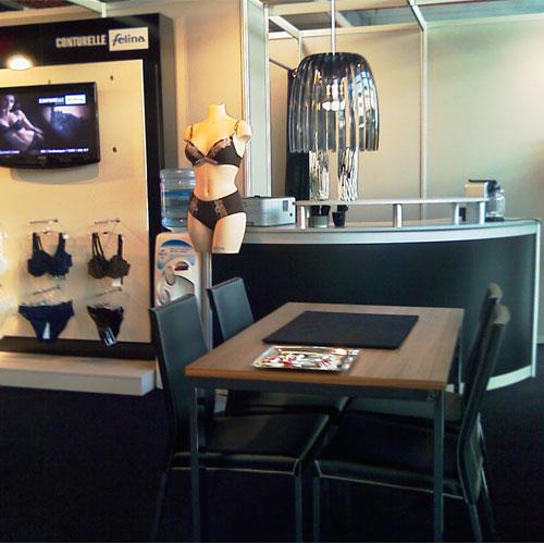 Interieur lingerie expo modulaire standbouw for Interieur longere